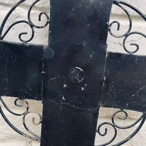 Vintage Accents - Outdoor Vintage Metal Cross Wall Art